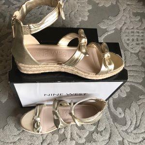 Nine West gold wedge espadrille sandal - size 11